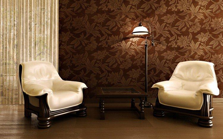 peinture-marron-papier-peint-marron-motifs-floraux-fauteuils-bois-sombre-tapisserie-blanche