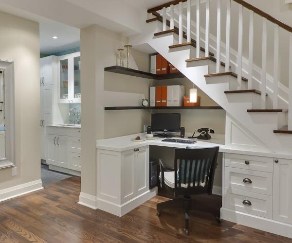 10 façons d\'aménager le dessous de l\'escalier