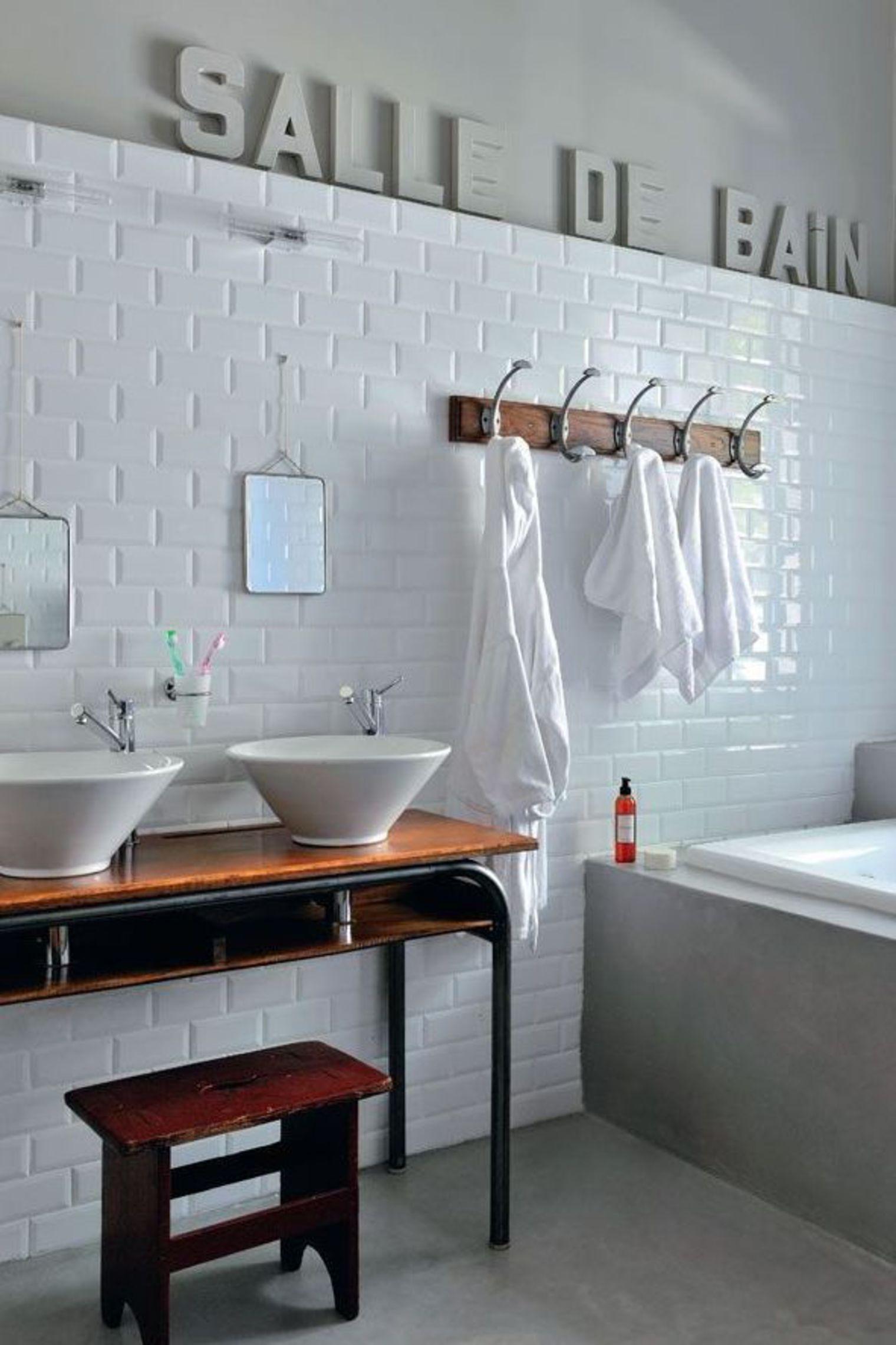Salle De Bain Revetement 10 revêtements muraux qui dynamisent la salle de bain