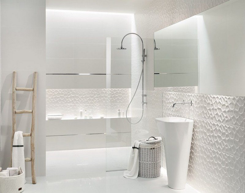 10 astuces pour agrandir visuellement une petite salle de bain for Tres petite salle de bain
