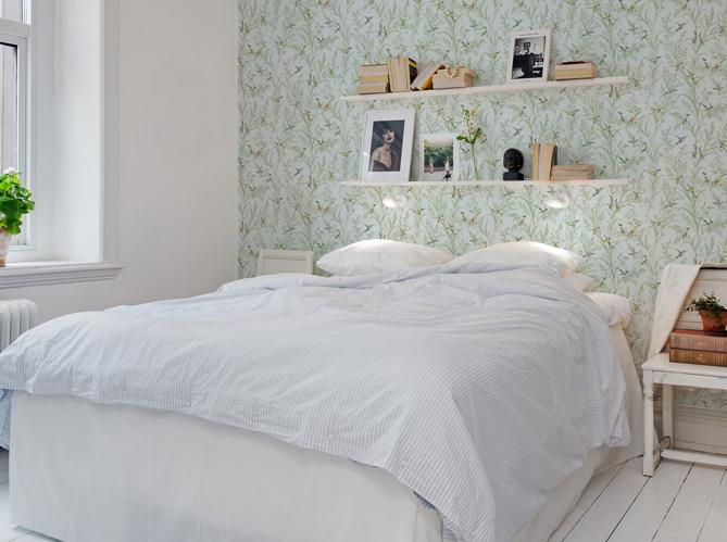 9 fa ons de d corer le mur au dessus du lit for Meuble au dessus du lit