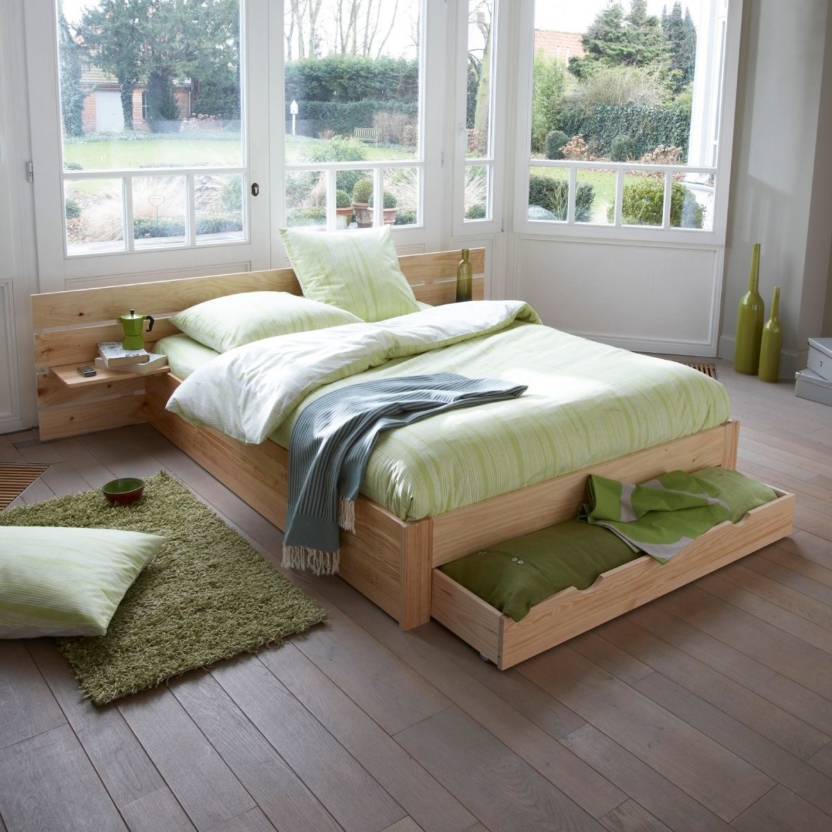 9 fa ons de d corer le mur au dessus du lit. Black Bedroom Furniture Sets. Home Design Ideas