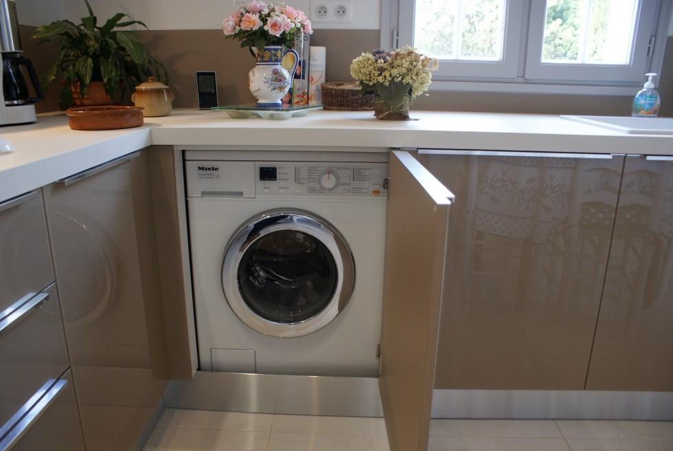 10 conseils pour assurer la s curit de vos enfants dans la cuisine. Black Bedroom Furniture Sets. Home Design Ideas