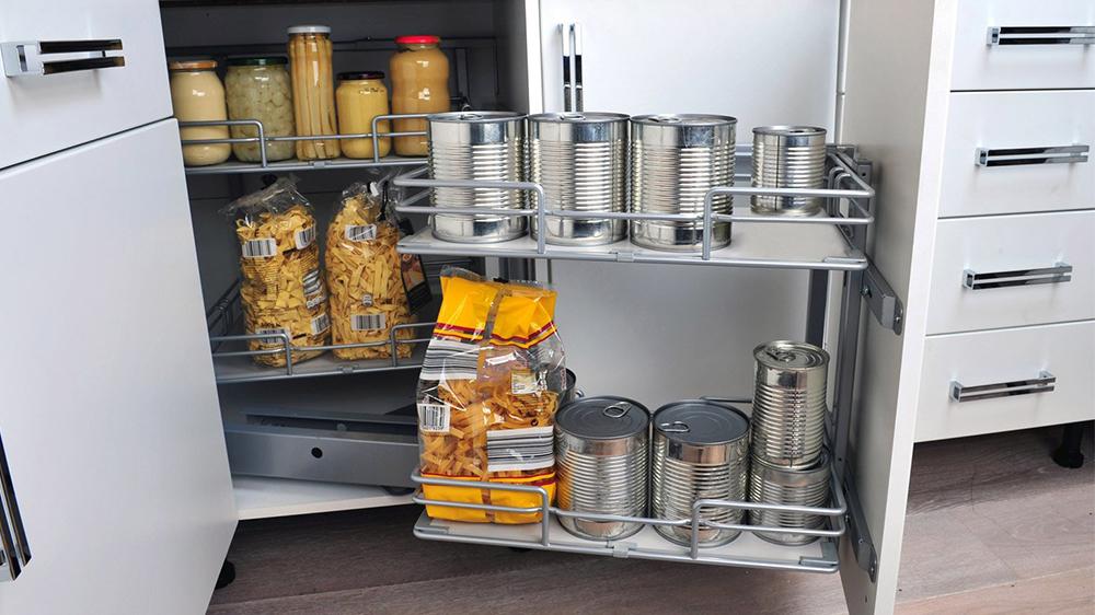 9 brillantes id es pour ranger les aliments dans le garde manger. Black Bedroom Furniture Sets. Home Design Ideas