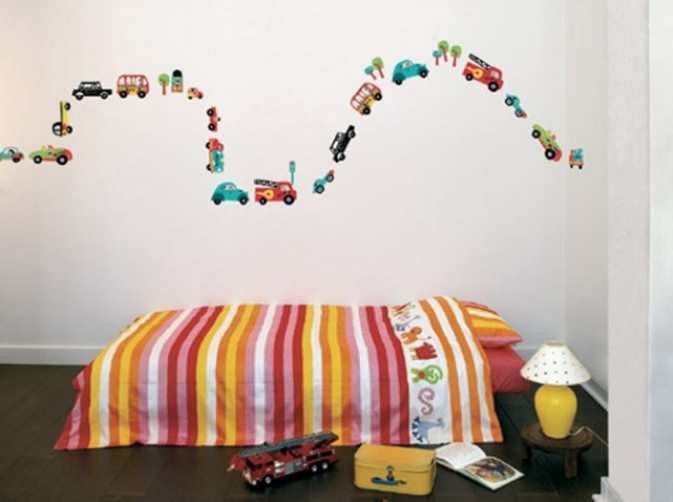 4 - Stickers-enfant-voitures-castorama_w641h478